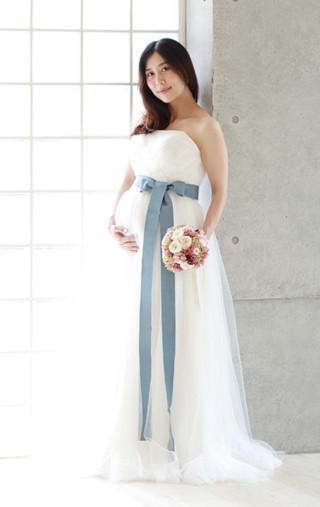 白 チュールのロングドレス