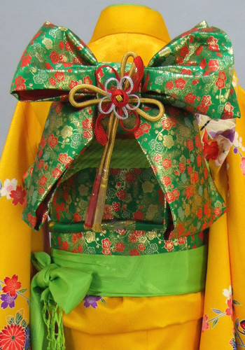 七五三 祝着 黄色地:桜の花づくしの衣装画像2