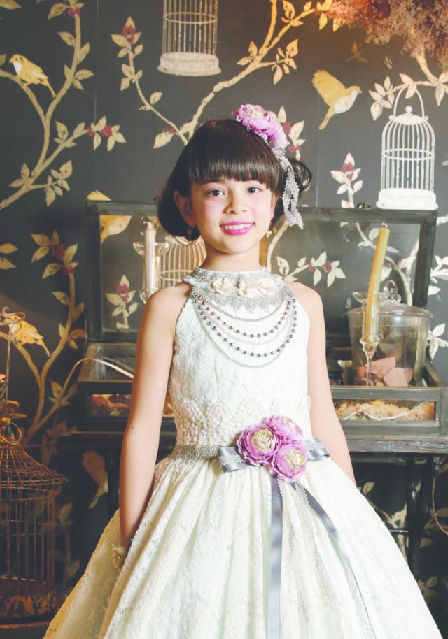 Aラインドレスの衣装画像2