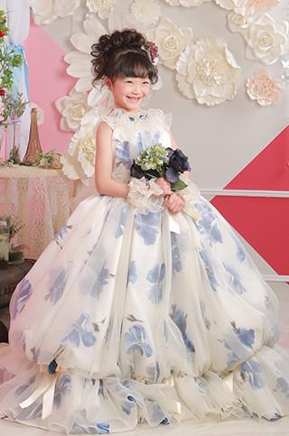 ふんわりバルーンの青い花柄ドレス
