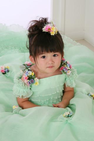 爽やかパステルグリーンドレス