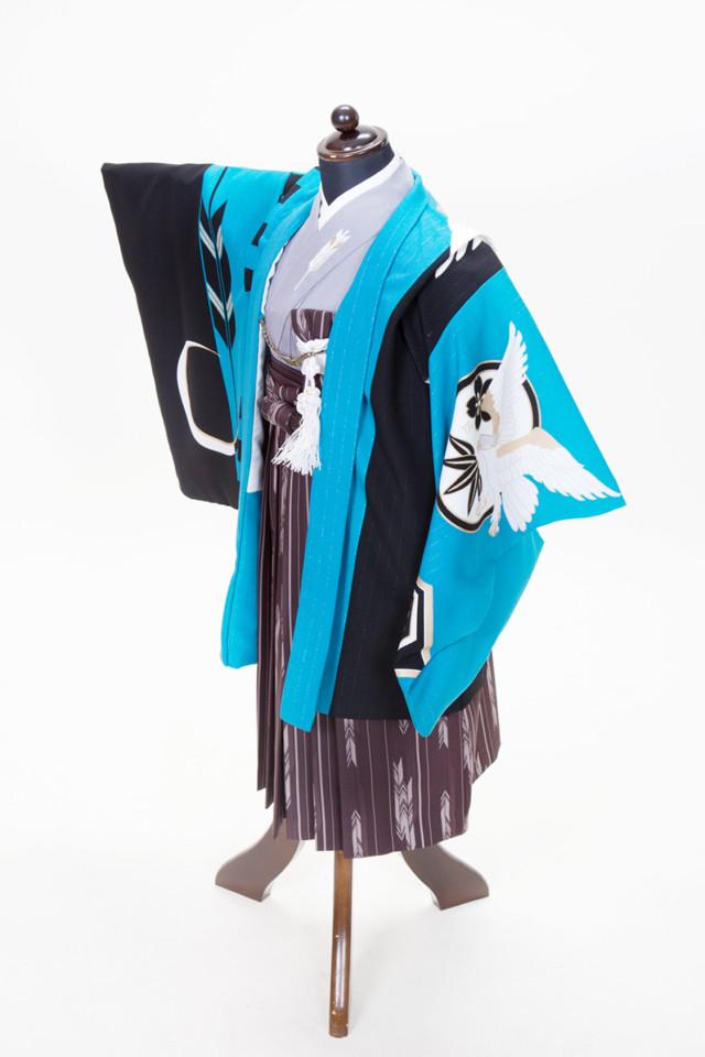 新古典柄のおしゃれな着物の衣装画像1
