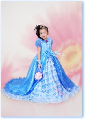 ロングドレス 色はいろいろの衣装画像1