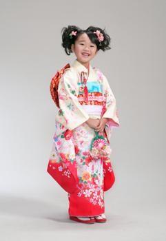 七五三7歳レンタルパック(ヘアメイク着付け付き)10,800円~の衣装画像1