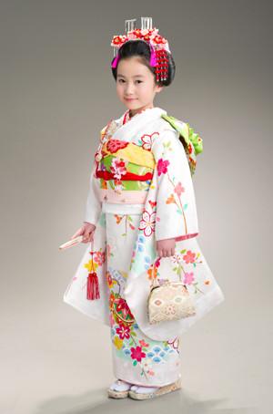 七歳女児貸衣裳の衣装画像1