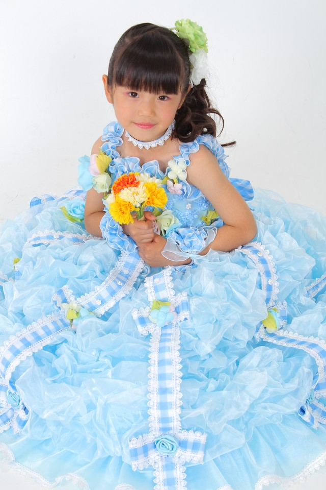 七五三 7歳 女の子ドレスの衣装画像1