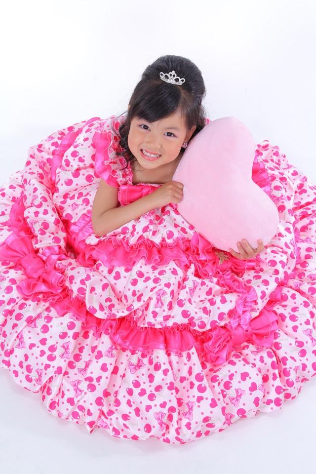 7歳 女の子用 ドレスの衣装画像1