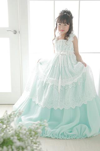 レースふんわりグリーンドレスの衣装画像1