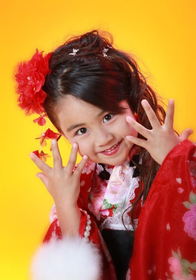 7歳の女の子 チョっとおちゃめにの衣装画像1
