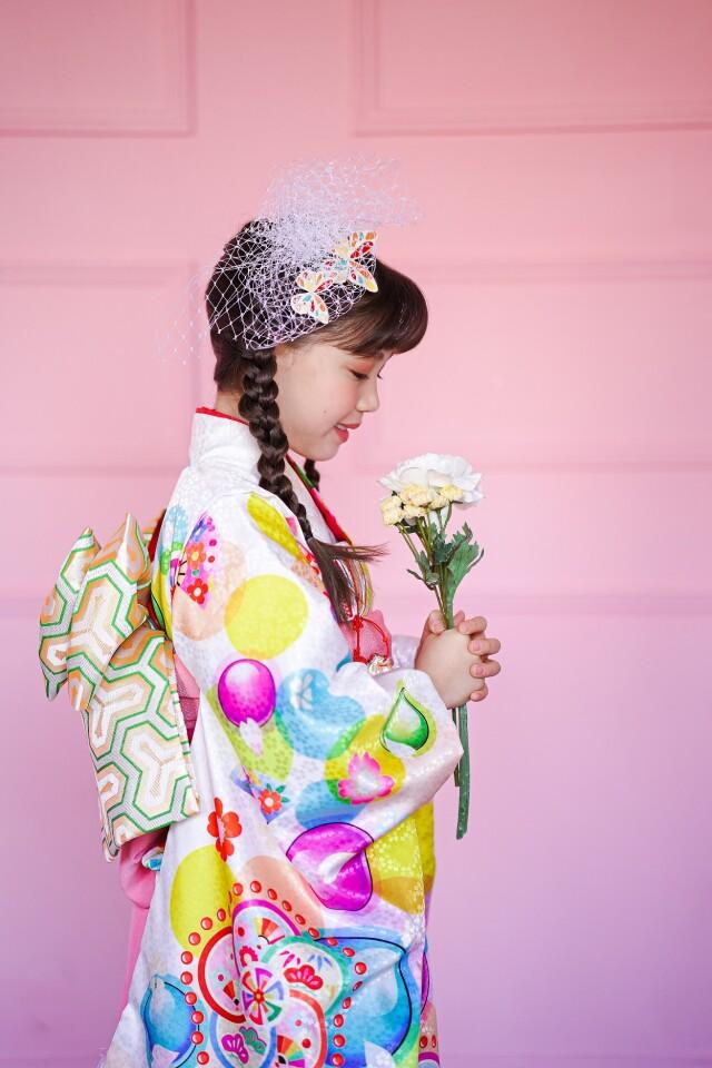 七歳 白地花柄の衣装画像2