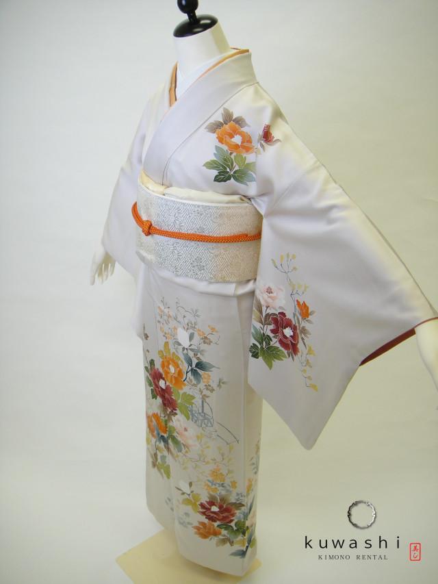 10122 アイボリーホワイト友禅模様正絹訪問着 袋帯フルセットの衣装画像1
