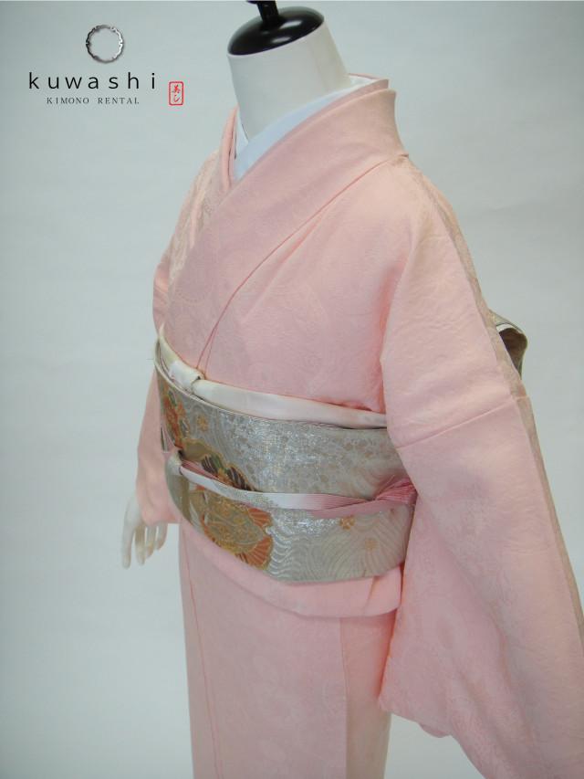 10015【レンタル 身長148cm~164cm】一つ紋ピンク地紋正絹色無地フルセットの衣装画像1