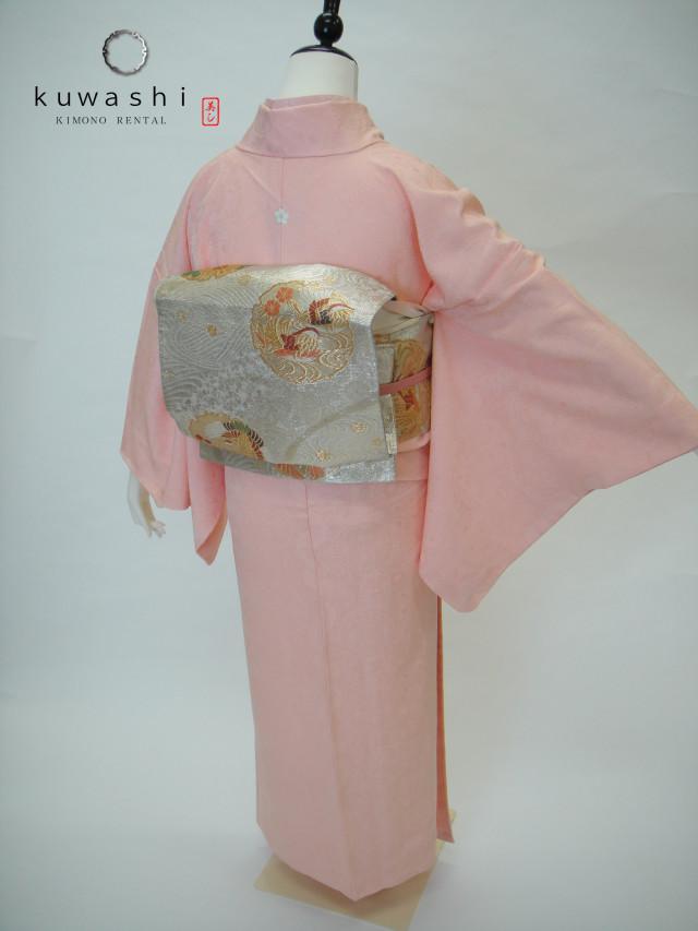 10015【レンタル 身長148cm~164cm】一つ紋ピンク地紋正絹色無地フルセットの衣装画像2