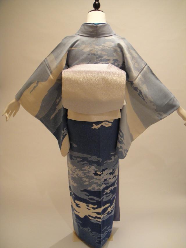 10101【レンタル着物】【身長155cm~170cm】青雲地紋正絹訪問着 唐織袋帯フルセットの衣装画像2