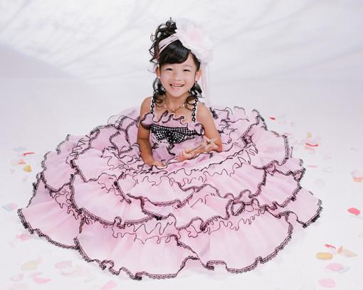 七五三記念写真人気のドレスの衣装画像1