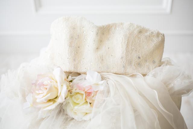 マタニティドレス オフホワイトの衣装画像1