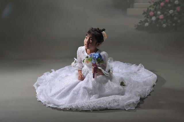 ドレス(白)の衣装画像2
