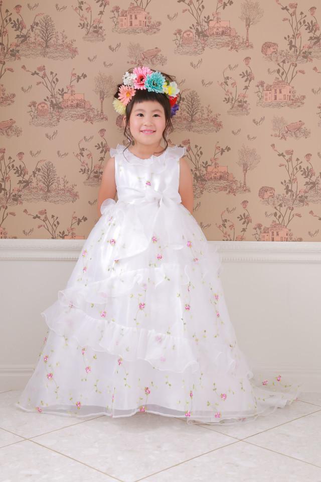 純白な小花柄ドレス 【ドレス/白】の衣装画像2