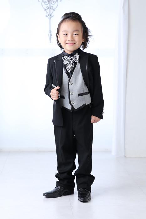 タキシード 黒 アニマル柄の衣装画像1