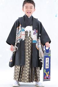 黒 紋付き袴