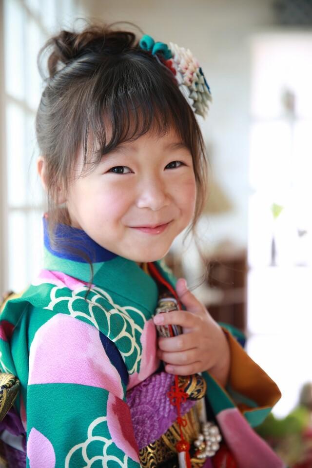 7歳女の子 緑モダン柄の衣装画像1