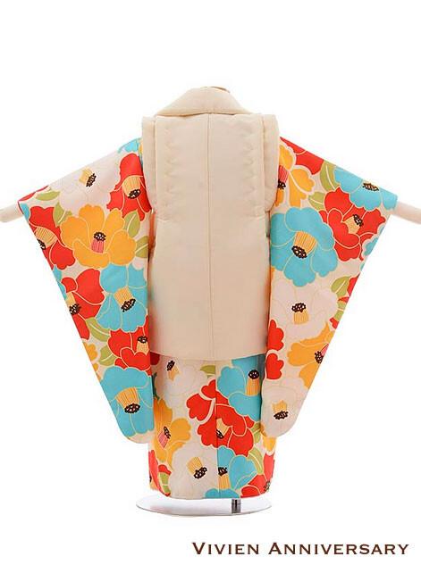 七五三 3歳女の子 被布 クリーム色×多色椿の衣装画像2
