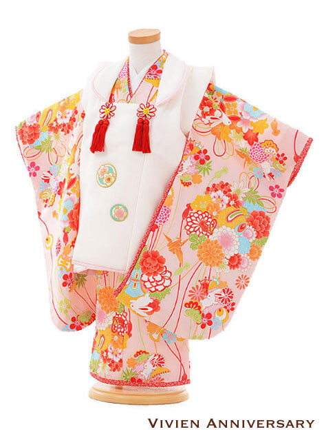 七五三レンタル 3歳女の子 被布 白×ピンク 薬玉の衣装画像1