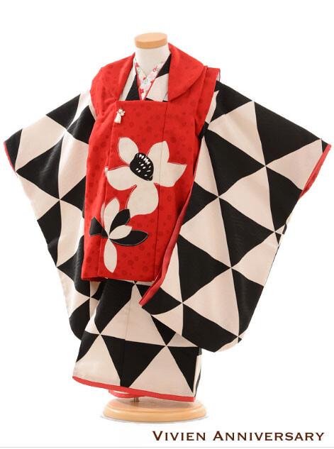 七五三レンタル 3歳女の子被布 モダンアンテナモノトーン・ウロコの衣装画像1