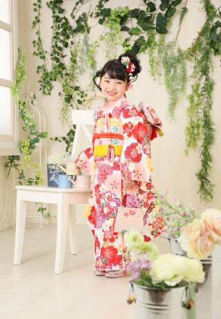 7歳女の子:白 赤花