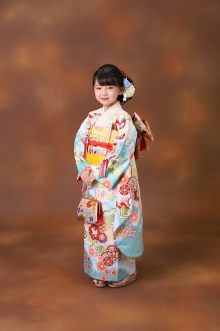 7歳女の子:アイボリー 水色古典菊